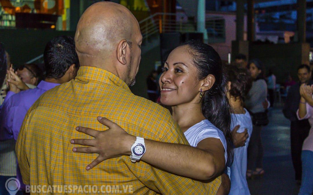 Para bailar tango en Caracas solo hace falta saber caminar
