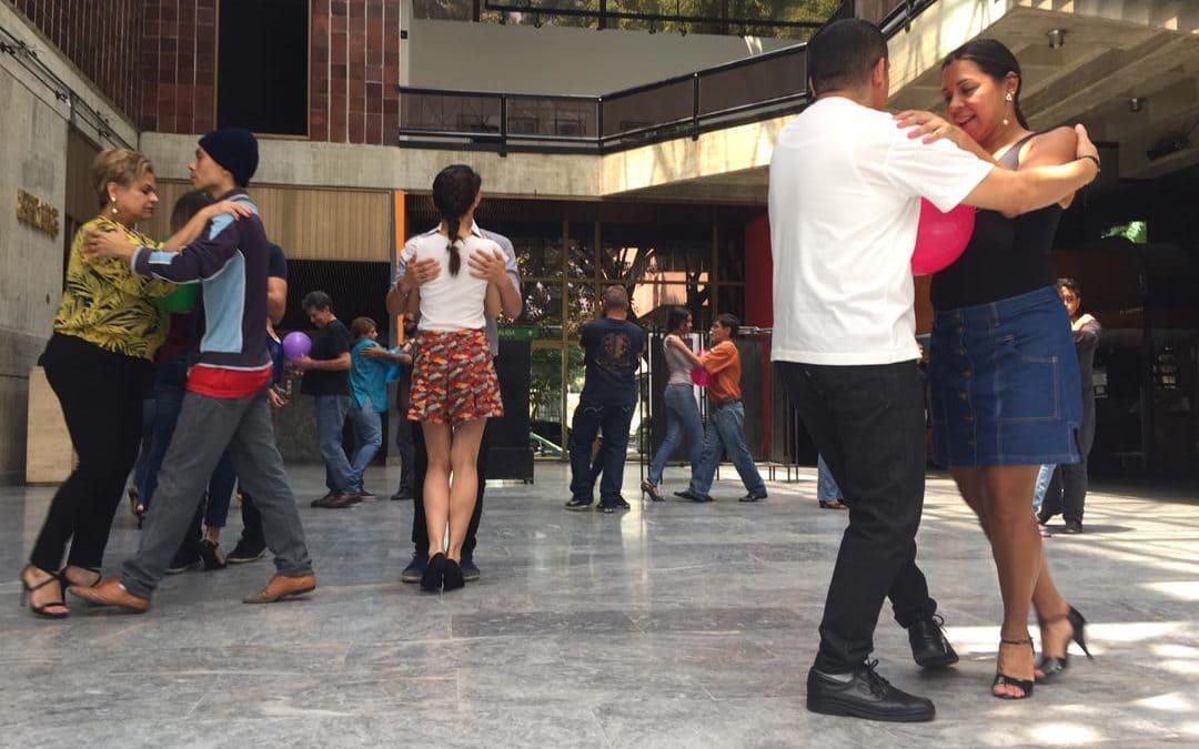 Si buscas tango Caracas tiene una gran opción en el Celarg